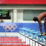 全国只有他报名所以成为游泳国手..奥运前九个月才学会游泳的传奇人物